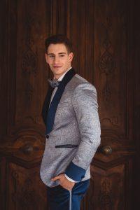 traje-novio-azul